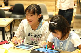 プログラミングを小学校教育に! 現場の先生を支援する取り組みを「みんなのコード」が実現