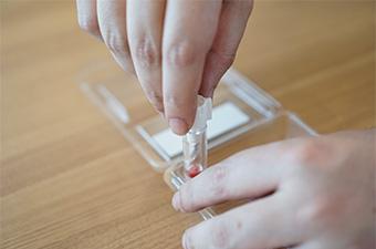 【検証】はじめてのセルフ採血♪ 「スマホdeドック」で血液検査してみた!