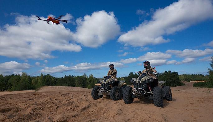 【世界のドローン14】バックパックで持ち運べるスポーツ撮影用ドローン『AirDog』