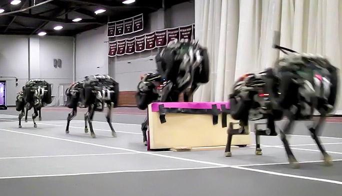 目の前の障害物を軽々ジャンプ! 進化するMITのチーターロボット
