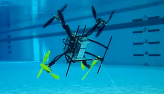 【世界のドローン24】空と海を自在に行き来する水陸両用ドローンの可能性とは