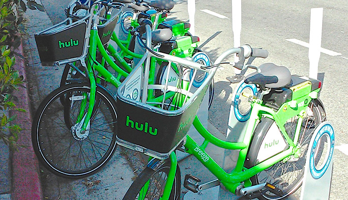 サンタモニカに登場したhulu自転車は、好きな場所に乗り捨てOK!