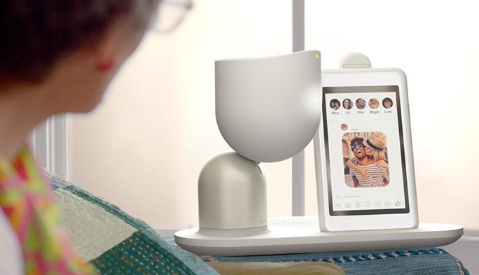 次世代ロボットの鍵は「音声コミュニケーション」 高齢者の孤立を防ぐ家庭用ロボット『ELLI・Q』