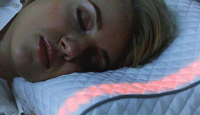 最新のスマート枕が、眠りの「質」を高めてくれる!