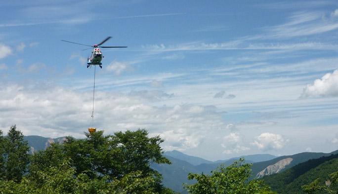 ヘリまで出動!? 岐阜県の山間部「白水湖」へ電波を届ける裏側に迫る!