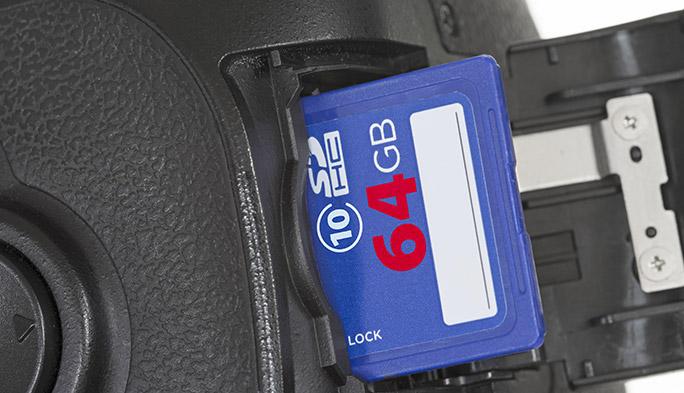 デジカメの記憶媒体としておなじみ「SDHCメモリーカード」