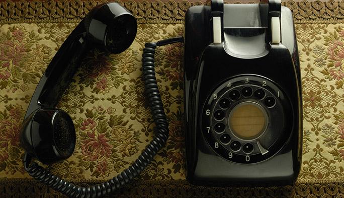 12月16日は『電話創業の日』 126年前の電話、どうかけてた?