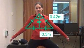 体の位置を検知して音声でヨガ指導