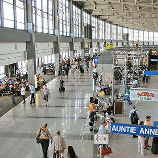 早く通過できる列が一目瞭然に。Wi-Fiで空港セキュリティーの待ち時間を予測
