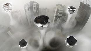 世界のドローン4 空中を漂って大気を浄化してくれる未来のドローン
