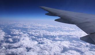 どこまでできる? 9月から旅客機でのスマートフォンの使用が一部解禁