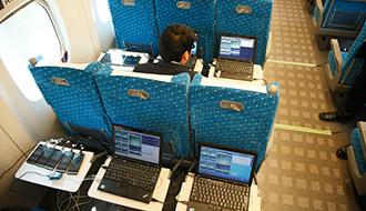 時速270Kmの車内でも快適に動画視聴が可能 auが新幹線での通信品質テストを実施