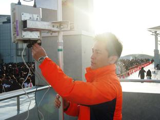 """人間Wi-Fi隊と""""現場指揮官""""が東奔西走した極寒の冬コミ、その舞台裏に迫る!"""