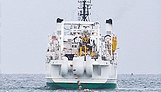 日本と世界をつなぐ「情報の生命線」海底ケーブル新時代 4th Innovation. ネット時代の本当の屋台骨 爆発的な通信量を支えた「光増幅」と「光波長多重」技術
