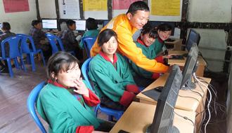 情報通信分野における国際貢献 1 KDDI財団のデジタルデバイド解消プロジェクト