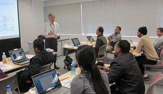 情報通信分野における国際貢献 3 KDDI財団による海外人材育成
