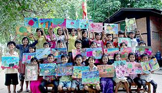 ミャンマーの子どもたちのためにKDDI財団がアートクラスを開催 カンボジアの子どもたちとの絵を通した交流も