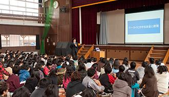 1,200回のケータイ教室を実施したプロが教える、家庭でできるスマホ教育。ルールとペアレンタルコントロールで子どものスマホを安全に