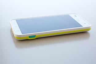 「保護者の安心とお子さまの安全を守る」 au初のジュニア向けスマートフォン「miraie」